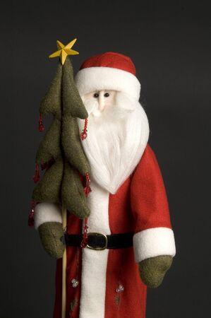 ブラックのクリスマス ツリーとサンタ クロース