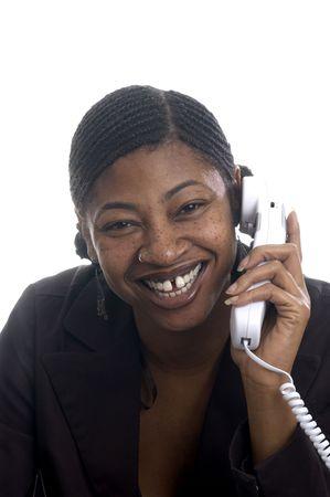 cornrows: hermoso negro mujer de servicio al cliente por tel�fono feliz sonriendo