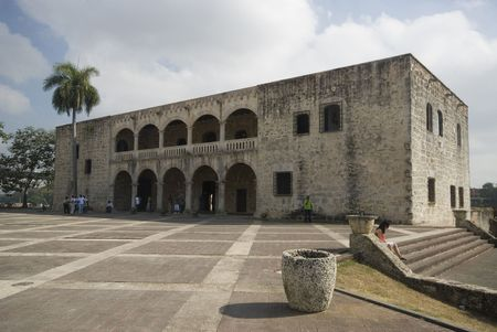 plaza de la hispanidad and the alcazar de colon columbus museum santo domingo dominican republic Stock Photo - 1261492