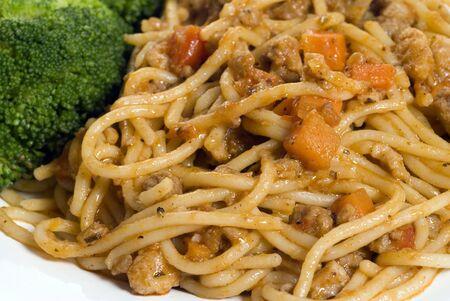 spaghetti bolognese with broccoli