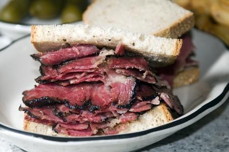 pastrami sandwich rye bread kosher jewish delicatessen new york