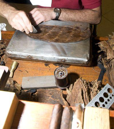 america centrale: abilit� crafstman mano sigari di qualit� con strumenti a rotazione in america centrale nicaragua