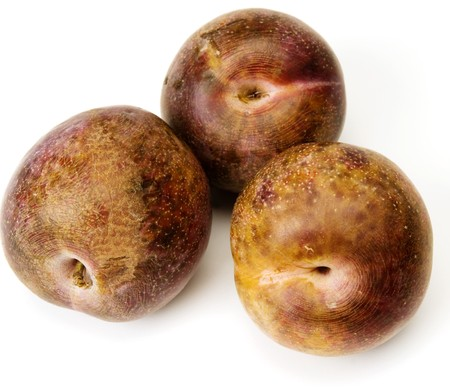 pluot purple red sweetie fruit hybrid of plum and apricot