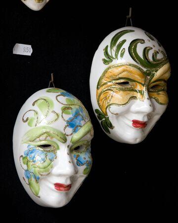 Venetiaanse maskers voor Carnaval van Venetië weer te geven in Murano Italië