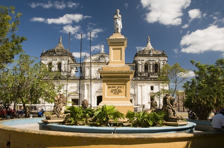 Nicaragua: statue Maximo Jerez fountain Ruben Dario Park  Cathedral of Leon Nicaragua
