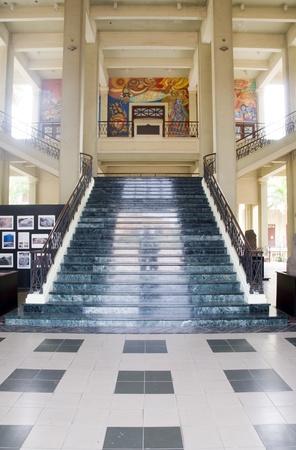 america centrale: MANAGUA 1-30: Interno di scalone e la pittura National Palace Museum e Cultura a Managua, Nicaragua, America Centrale il 30 gennaio 2012.