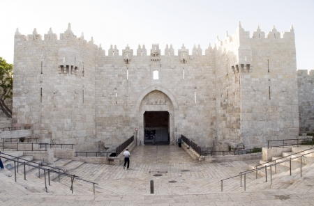 historic Damascus Gate entry to Old City Jerusalem Palestine Israel Imagens - 14938976