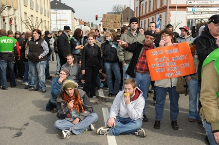 nazis: Zweibruecken, Germany - March 20, 2009: Protests against Neo Nazis and right wing extremists