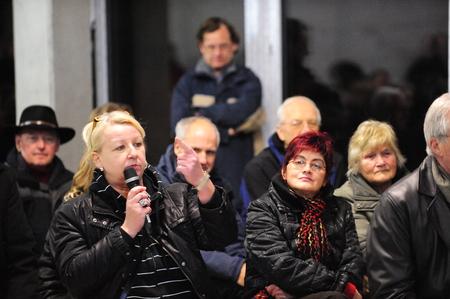 anti noise: Francoforte, Germania - 15 DICEMBRE 2009: l'iniziativa dei cittadini preoccuparsi europeo per il cambiamento di uso del nucleare Editoriali