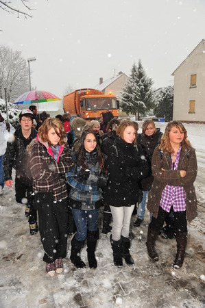 lacking: Frankfurt, Germany - December 20, 2010: Pupils rely on public transport in winter, which gets worse while communities lacking money