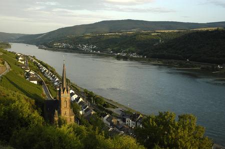 rheintal: Lorchhausen with river rhine