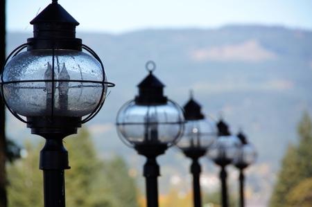 Lamps in row overlooking the Columbia River 版權商用圖片