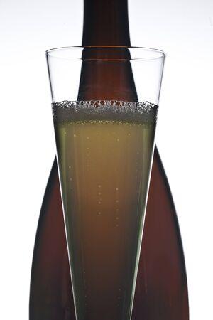 Weinflasche und Glas Standard-Bild - 11750065