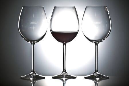 Gläser Wein Standard-Bild - 11750387