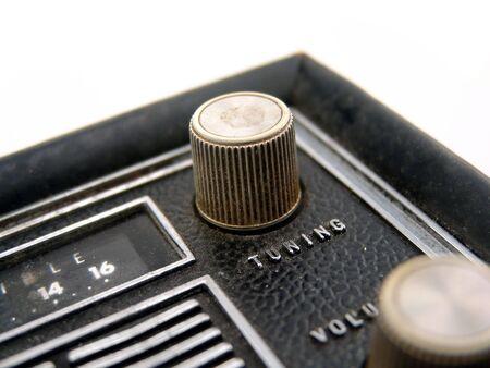 transistor: pomo met�lico de ajuste en la radio de transistores antiguos