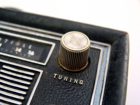 transistor: molette de r�glage en m�tal � la radio transistor antique Banque d'images