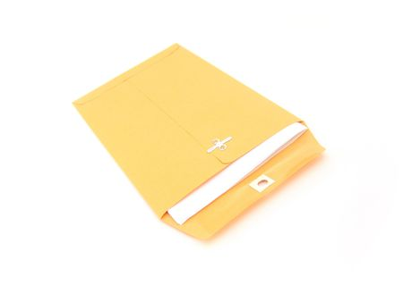 single manilla envelope isolated over white background 版權商用圖片