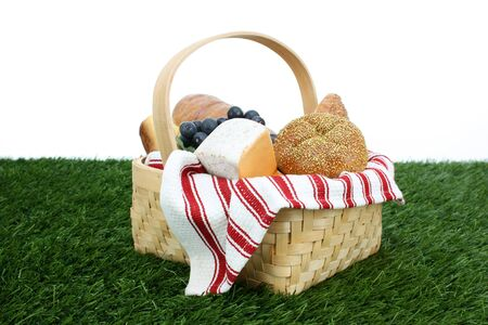 Picnic Basket filled with food that is ready to eat Stock Photo - 13149629