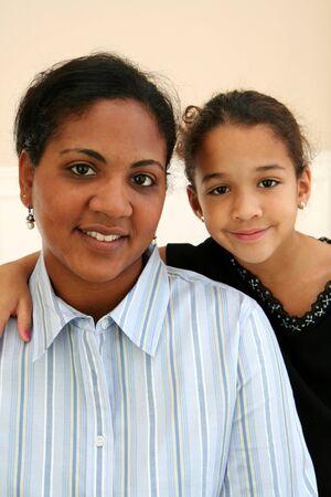 middle class: Mujer con su hija