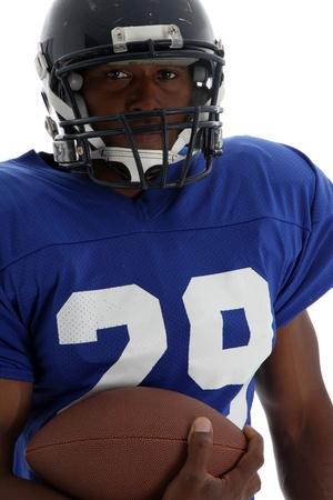 uniforme de futbol: Jugador de f�tbol dispar� sobre un fondo blanco