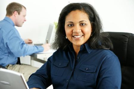 minor�a: Empresaria en su oficina