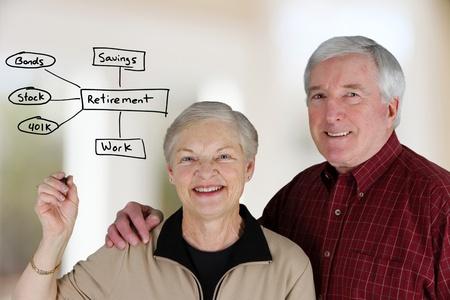 pareja de esposos: Una pareja se cas� la planificaci�n de su vida de jubilado