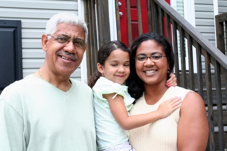 Grand-père, la fille et de l'enfant à la maison Banque d'images