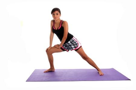 Teenie-Mädchen trainieren Sie im Fitness-Studio Standard-Bild - 14230660