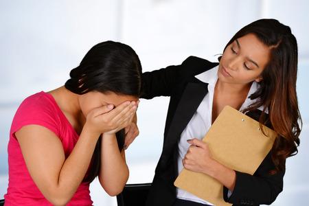 Menschen in Not mit einem Beratungsgespräch