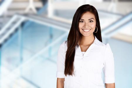 lider: Mujer de negocios en la oficina listo para trabajar