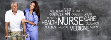 medical attention: Enfermera de sexo femenino listo para dar atenci�n m�dica