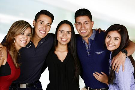 Groep vrienden die samen plezier Stockfoto