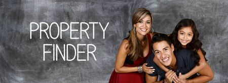 Famille qui est prêt à acheter des biens immobiliers Banque d'images - 48407926