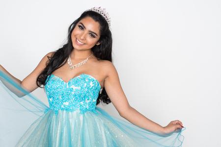 Nastoletnia dziewczyna rywalizująca w konkursie piękności Zdjęcie Seryjne