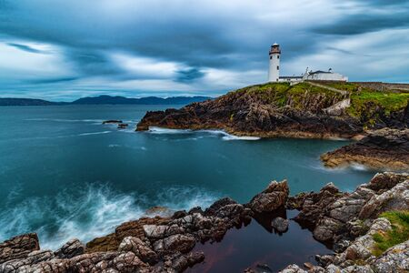 Fanad lighthouse at night in Ireland during the summer Zdjęcie Seryjne