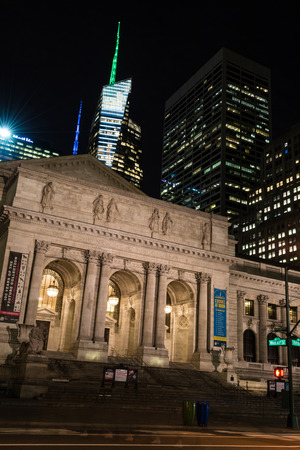 42nd: New York Public Library is an emblematic building located in the East of Bryant Park in Manhattan (NYC).