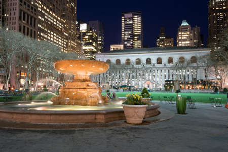 bryant: Bryant Park is located in Manhattan (NYC) between 5th and 6th avenue and 42nd street Editorial
