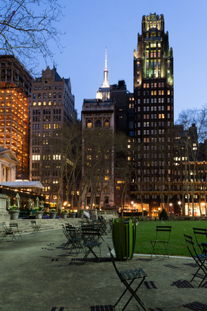 bryant: Bryant Park is located in Manhattan (NYC) between 5th and 6th avenue and 42nd street Stock Photo