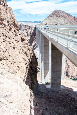 hoover dam: Hoover dam is located in the limit between Nevada and Arizona