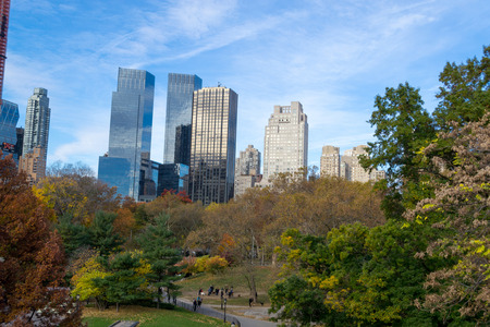 Fall is the season in which Central Park is in full splendour and this convination of skyline and nature is unique to NYC