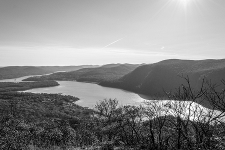 Fall in the Hudson valley between Breakneck ridge and Colds Spring