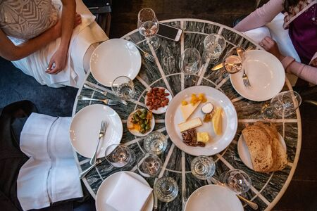 Table with an assortment of appetizers on a wedding banquet Imagens