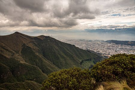 Panorama of Quito from the Ruku Pichinca volcano (15,413 ft) Stockfoto
