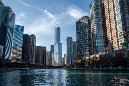 Entrance in the Chicago river from the Michigan lake 免版税图像