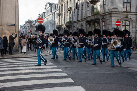 Copenhagen (DK)-February 14th 2020-Copenhagen Royal Life Guards marching to Amalienborg Palace 新闻类图片