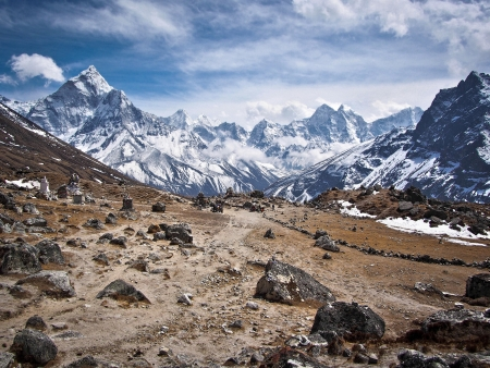 Himalayan scenery with Ama Dablam along the Everest Base Camp Trek in Nepal Banco de Imagens