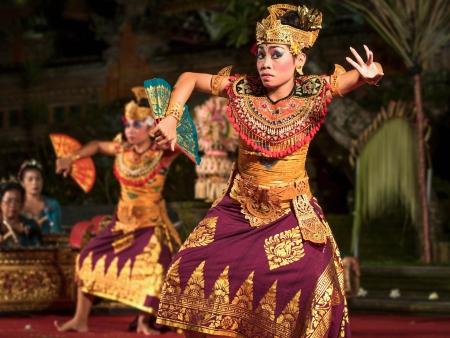 ウブド、バリ島のバリ レゴン舞踊のパフォーマンス 報道画像