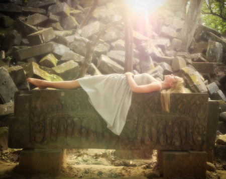 眠っている美しさのおとぎ話の王女 写真素材