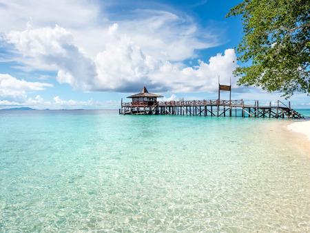 プラウ シパダン島、サバ州東マレーシアで桟橋
