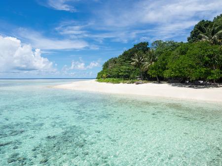pulau: The Turquoise Colored Waters of Pulau Sipadan, Sabah, Malaysia Stock Photo